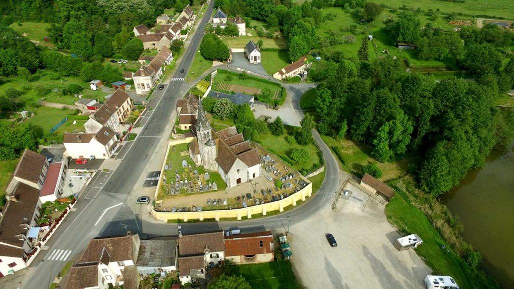 Vue aérienne de La Madeleine Bouvet